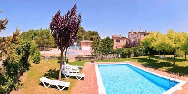 med-panorama-can-miquelo-piscina2